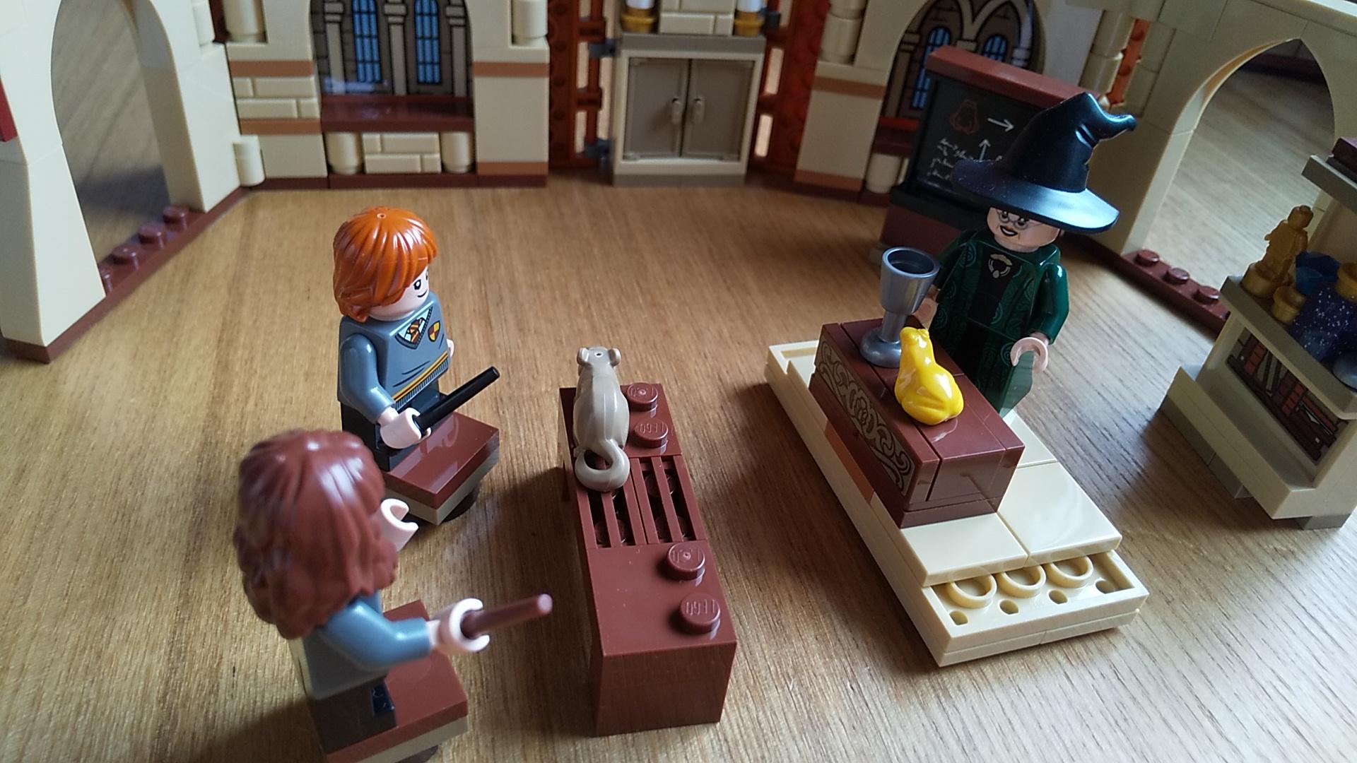 レゴレビュー『76384 ハリー・ポッター ホグワーツの教科書:薬草学』他の教科書も一緒に遊ぼう